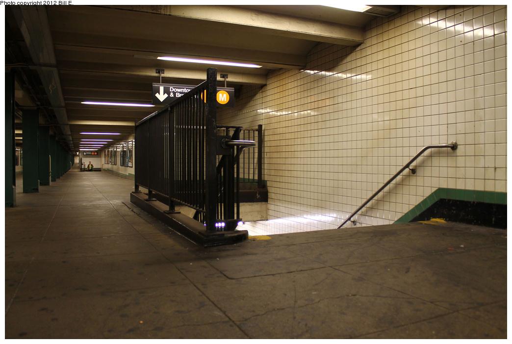 (298k, 1044x703)<br><b>Country:</b> United States<br><b>City:</b> New York<br><b>System:</b> New York City Transit<br><b>Line:</b> IND 6th Avenue Line<br><b>Location:</b> 14th Street <br><b>Photo by:</b> Bill E.<br><b>Date:</b> 9/6/2011<br><b>Notes:</b> Mezzanine.<br><b>Viewed (this week/total):</b> 0 / 1217