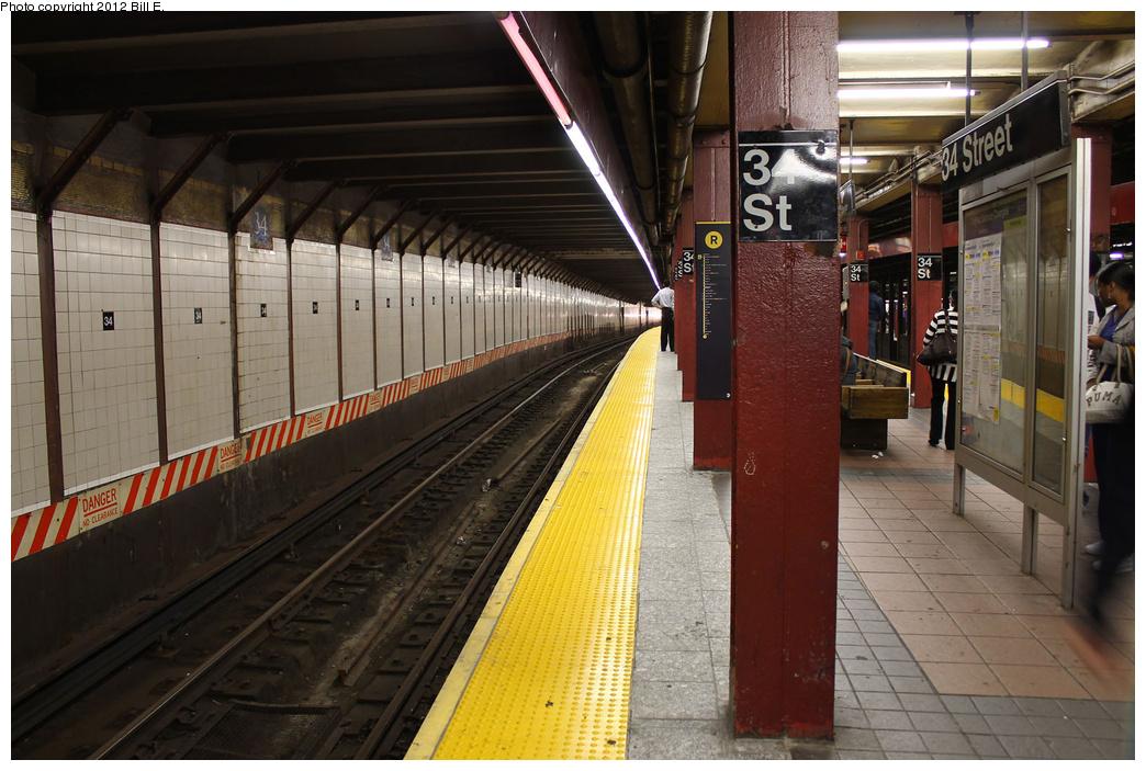 (361k, 1044x703)<br><b>Country:</b> United States<br><b>City:</b> New York<br><b>System:</b> New York City Transit<br><b>Line:</b> BMT Broadway Line<br><b>Location:</b> 34th Street/Herald Square <br><b>Photo by:</b> Bill E.<br><b>Date:</b> 9/6/2011<br><b>Viewed (this week/total):</b> 0 / 1322