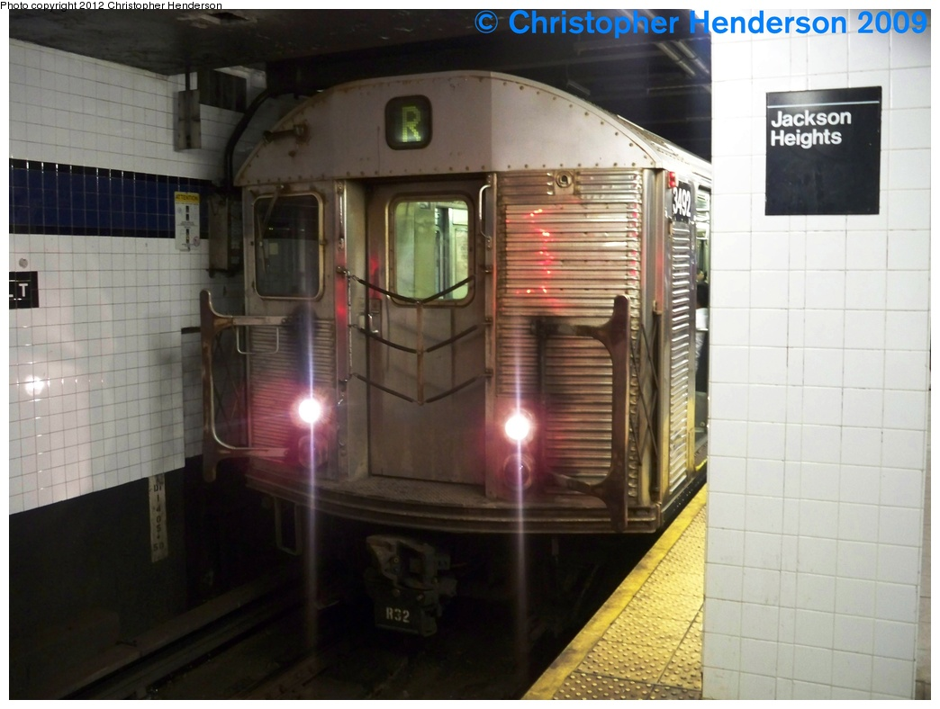 (231k, 1044x788)<br><b>Country:</b> United States<br><b>City:</b> New York<br><b>System:</b> New York City Transit<br><b>Line:</b> IND Queens Boulevard Line<br><b>Location:</b> Roosevelt Avenue <br><b>Route:</b> R<br><b>Car:</b> R-32 (Budd, 1964)  3492 <br><b>Photo by:</b> Christopher Henderson<br><b>Date:</b> 8/16/2009<br><b>Viewed (this week/total):</b> 0 / 798