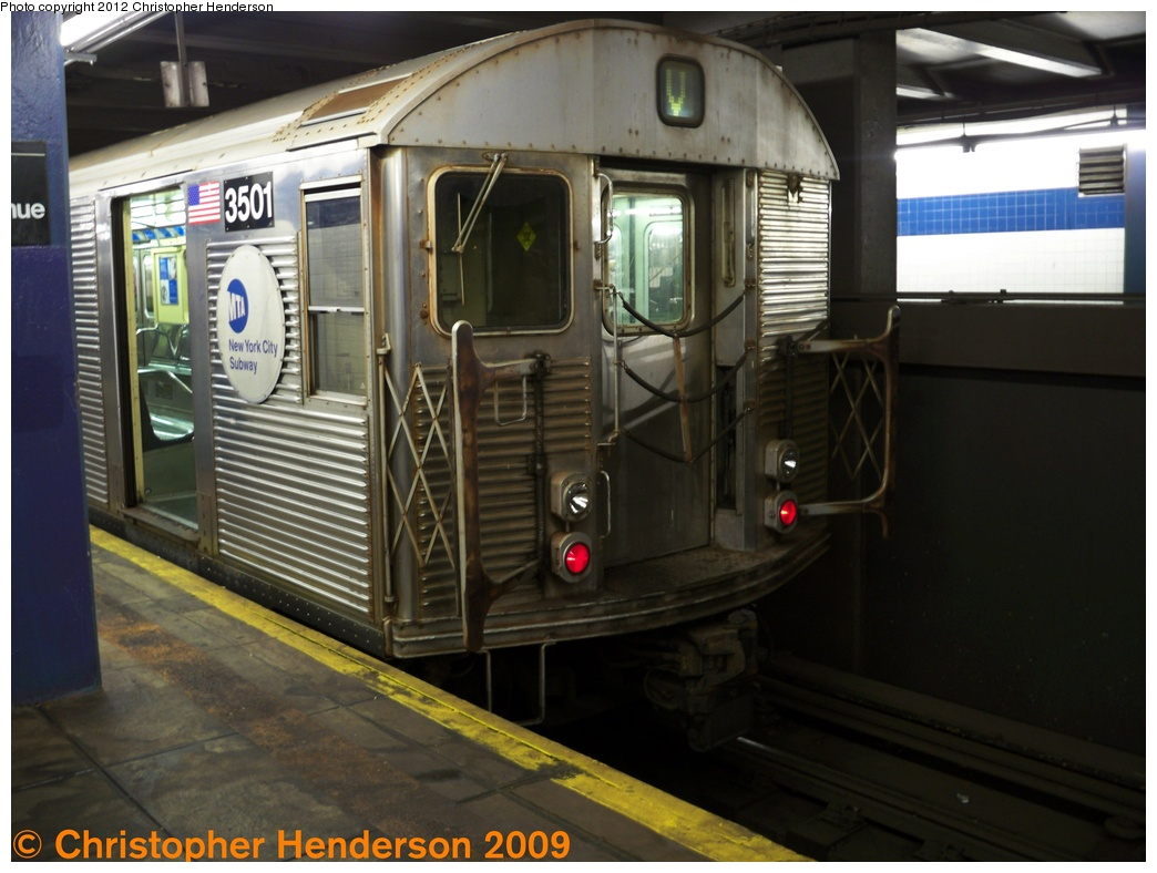 (248k, 1044x788)<br><b>Country:</b> United States<br><b>City:</b> New York<br><b>System:</b> New York City Transit<br><b>Line:</b> IND 6th Avenue Line<br><b>Location:</b> 2nd Avenue <br><b>Route:</b> V<br><b>Car:</b> R-32 (Budd, 1964)  3501 <br><b>Photo by:</b> Christopher Henderson<br><b>Date:</b> 8/5/2009<br><b>Viewed (this week/total):</b> 0 / 746