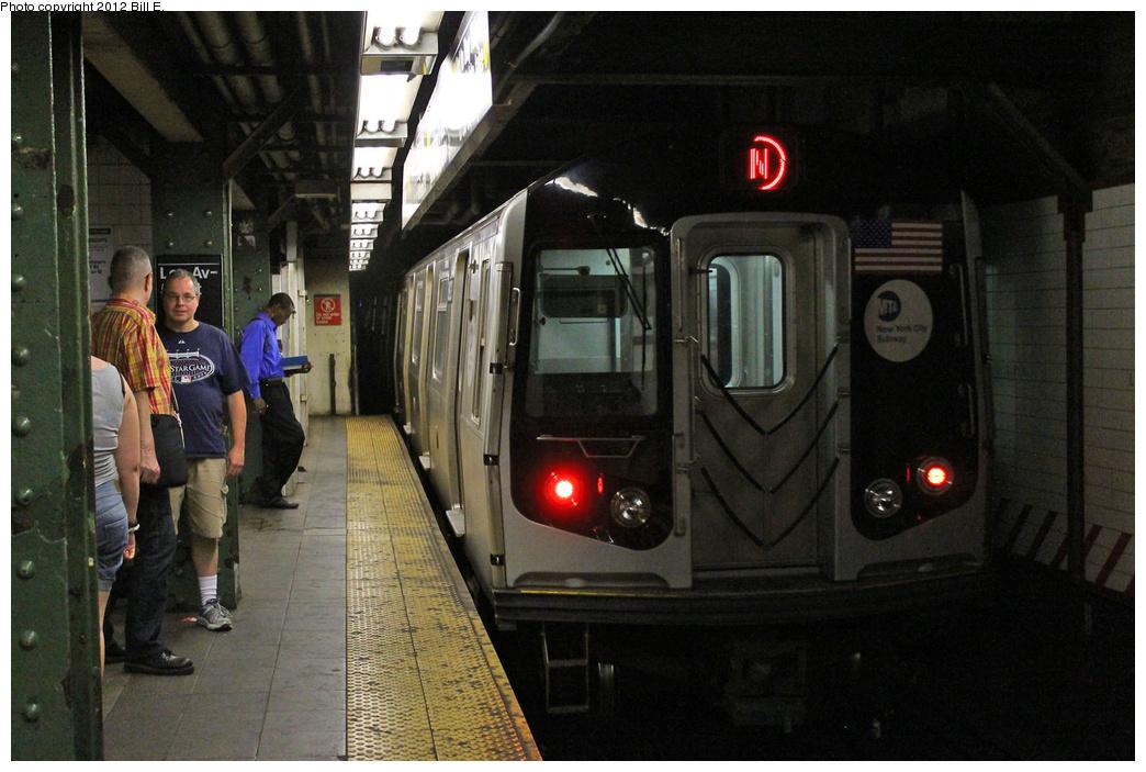 (335k, 1044x703)<br><b>Country:</b> United States<br><b>City:</b> New York<br><b>System:</b> New York City Transit<br><b>Line:</b> BMT Broadway Line<br><b>Location:</b> Lexington Avenue (59th Street) <br><b>Route:</b> N<br><b>Car:</b> R-160B (Kawasaki, 2005-2008)  8823 <br><b>Photo by:</b> Bill E.<br><b>Date:</b> 9/3/2011<br><b>Viewed (this week/total):</b> 1 / 1302