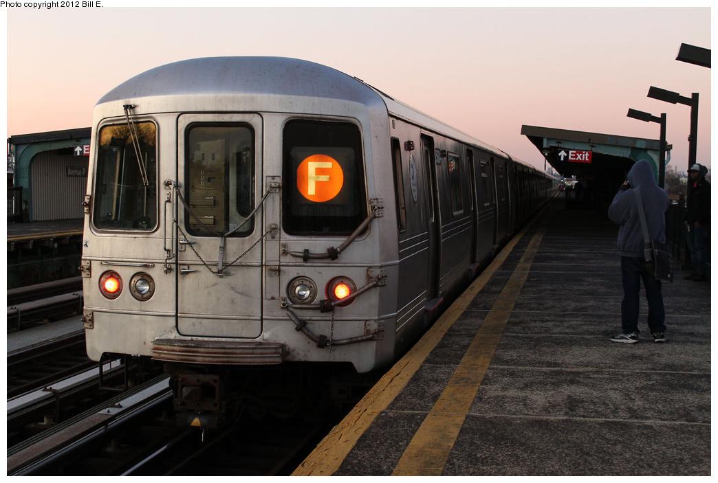(292k, 1044x703)<br><b>Country:</b> United States<br><b>City:</b> New York<br><b>System:</b> New York City Transit<br><b>Line:</b> BMT Culver Line<br><b>Location:</b> Avenue P <br><b>Route:</b> F<br><b>Car:</b> R-46 (Pullman-Standard, 1974-75) 5604 <br><b>Photo by:</b> Bill E.<br><b>Date:</b> 12/24/2011<br><b>Viewed (this week/total):</b> 3 / 968