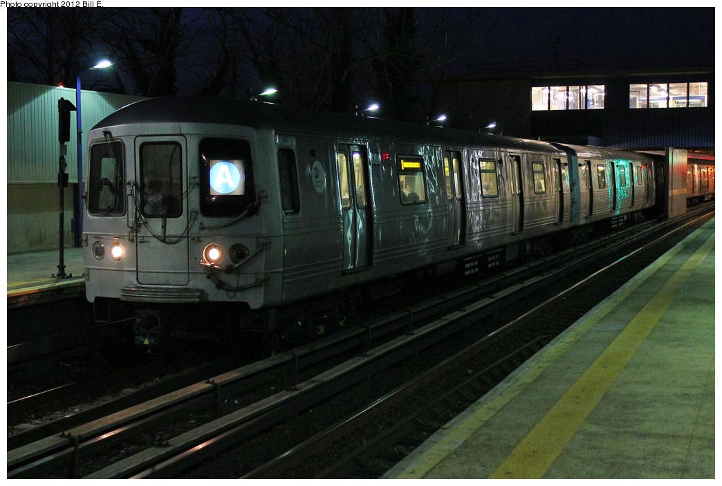 (309k, 1044x703)<br><b>Country:</b> United States<br><b>City:</b> New York<br><b>System:</b> New York City Transit<br><b>Line:</b> IND Rockaway<br><b>Location:</b> Broad Channel <br><b>Route:</b> A<br><b>Car:</b> R-46 (Pullman-Standard, 1974-75) 6056 <br><b>Photo by:</b> Bill E.<br><b>Date:</b> 11/26/2011<br><b>Viewed (this week/total):</b> 0 / 984