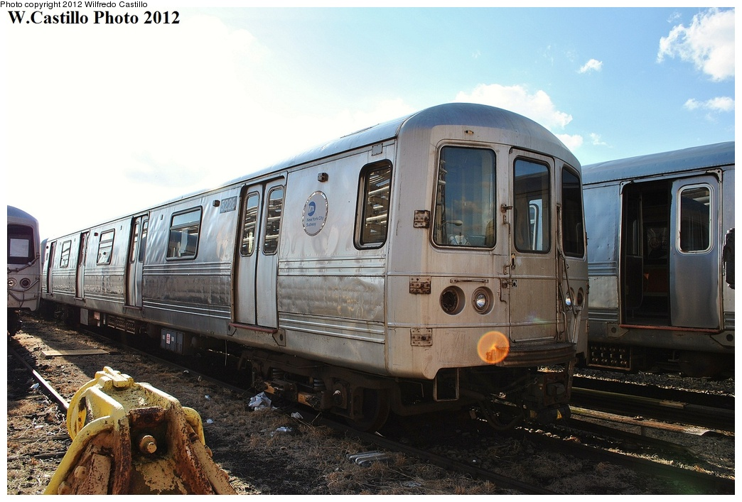 (315k, 1044x707)<br><b>Country:</b> United States<br><b>City:</b> New York<br><b>System:</b> New York City Transit<br><b>Location:</b> 207th Street Yard<br><b>Car:</b> R-44 (St. Louis, 1971-73) 5228 <br><b>Photo by:</b> Wilfredo Castillo<br><b>Date:</b> 2/1/2012<br><b>Viewed (this week/total):</b> 3 / 967