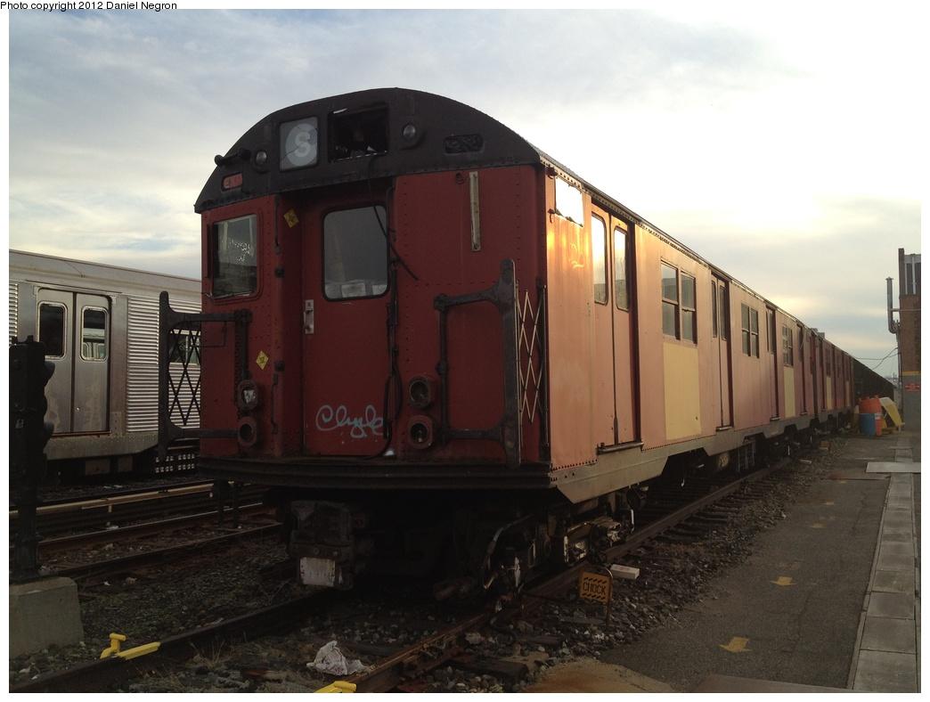 (237k, 1044x788)<br><b>Country:</b> United States<br><b>City:</b> New York<br><b>System:</b> New York City Transit<br><b>Location:</b> 207th Street Yard<br><b>Car:</b> R-30 (St. Louis, 1961) 8481 <br><b>Photo by:</b> Daniel Negron<br><b>Date:</b> 1/11/2012<br><b>Viewed (this week/total):</b> 0 / 1336