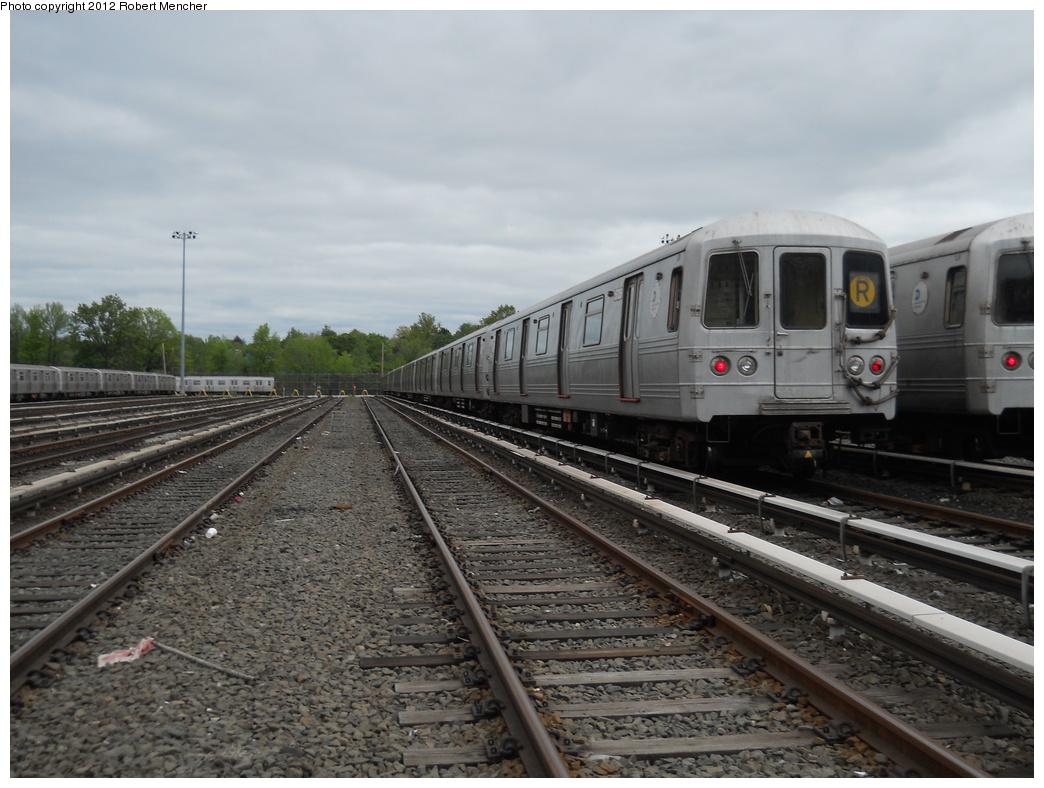 (350k, 1044x788)<br><b>Country:</b> United States<br><b>City:</b> New York<br><b>System:</b> New York City Transit<br><b>Location:</b> Jamaica Yard/Shops<br><b>Car:</b> R-46 (Pullman-Standard, 1974-75) 6206 <br><b>Photo by:</b> Robert Mencher<br><b>Date:</b> 5/11/2011<br><b>Viewed (this week/total):</b> 2 / 844