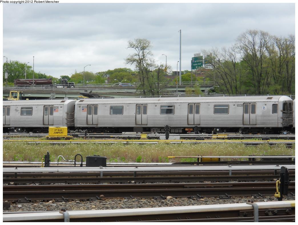 (397k, 1044x788)<br><b>Country:</b> United States<br><b>City:</b> New York<br><b>System:</b> New York City Transit<br><b>Location:</b> Jamaica Yard/Shops<br><b>Car:</b> R-46 (Pullman-Standard, 1974-75) 5562 <br><b>Photo by:</b> Robert Mencher<br><b>Date:</b> 5/11/2011<br><b>Viewed (this week/total):</b> 0 / 716