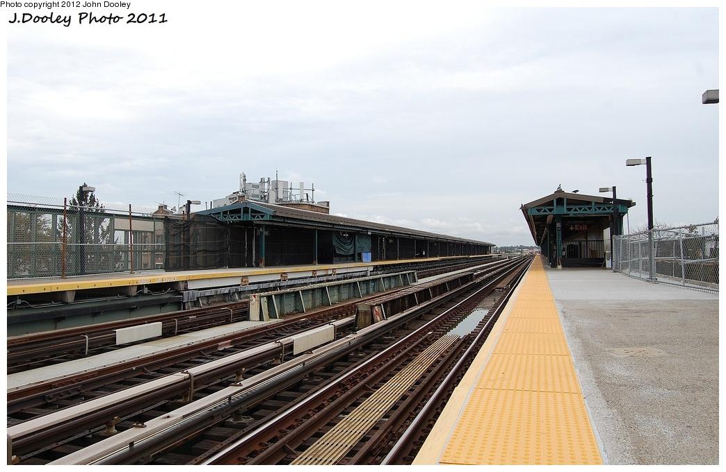 (312k, 1044x680)<br><b>Country:</b> United States<br><b>City:</b> New York<br><b>System:</b> New York City Transit<br><b>Line:</b> BMT West End Line<br><b>Location:</b> 71st Street <br><b>Photo by:</b> John Dooley<br><b>Date:</b> 10/12/2011<br><b>Notes:</b> Platform view.<br><b>Viewed (this week/total):</b> 1 / 683