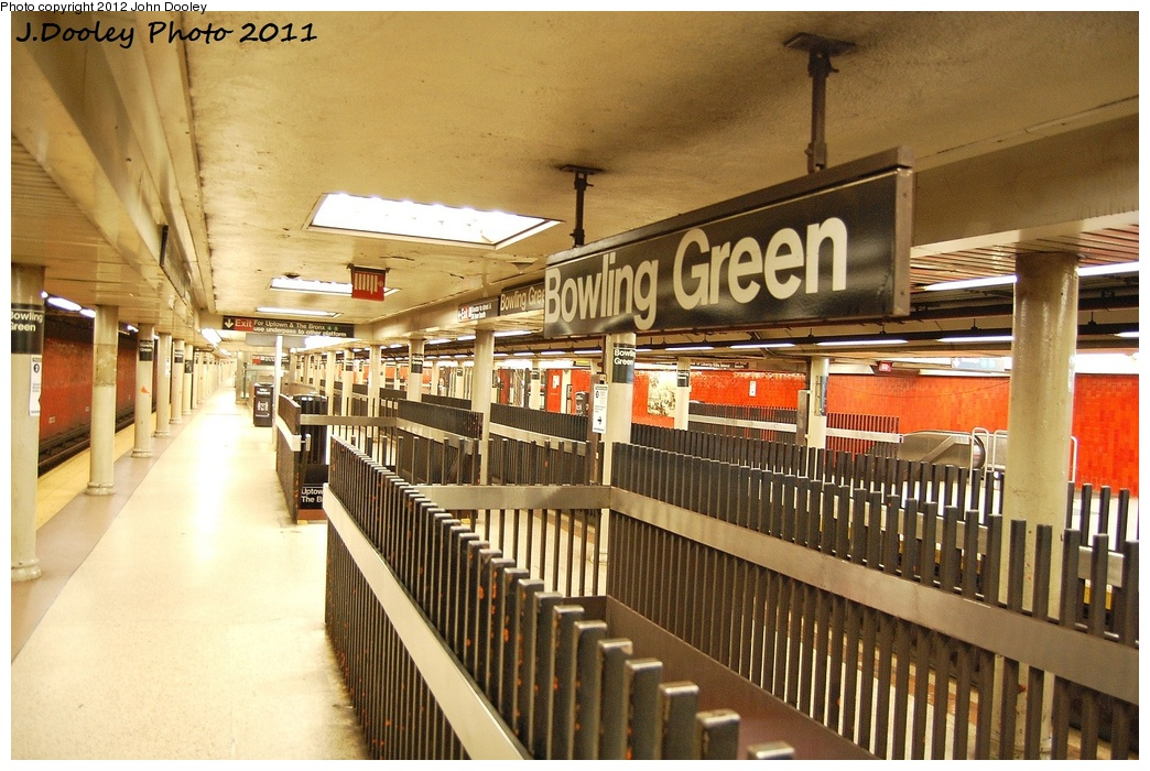 (363k, 1044x700)<br><b>Country:</b> United States<br><b>City:</b> New York<br><b>System:</b> New York City Transit<br><b>Line:</b> IRT East Side Line<br><b>Location:</b> Bowling Green <br><b>Photo by:</b> John Dooley<br><b>Date:</b> 10/28/2011<br><b>Notes:</b> Southbound platform.<br><b>Viewed (this week/total):</b> 0 / 1251