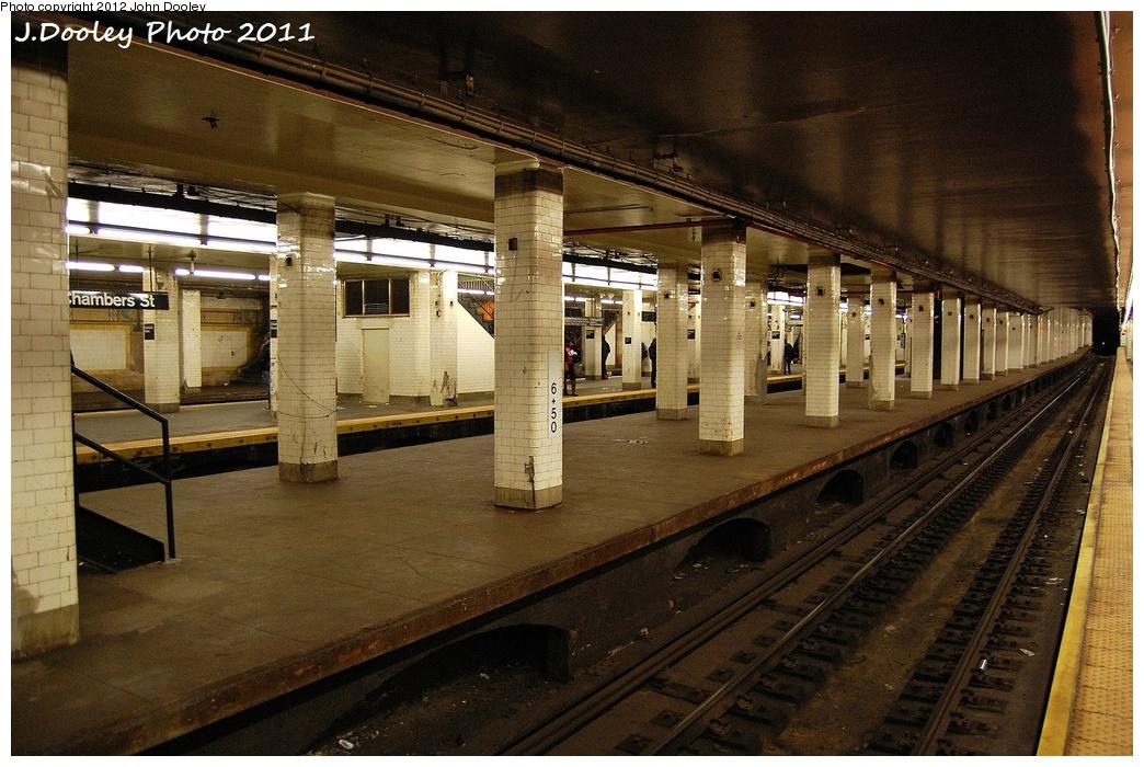 (368k, 1044x700)<br><b>Country:</b> United States<br><b>City:</b> New York<br><b>System:</b> New York City Transit<br><b>Line:</b> BMT Nassau Street/Jamaica Line<br><b>Location:</b> Chambers Street <br><b>Photo by:</b> John Dooley<br><b>Date:</b> 10/28/2011<br><b>Notes:</b> Unused middle platform.<br><b>Viewed (this week/total):</b> 2 / 1757