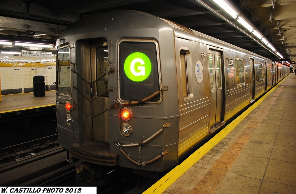 (311k, 1024x670)<br><b>Country:</b> United States<br><b>City:</b> New York<br><b>System:</b> New York City Transit<br><b>Line:</b> IND Crosstown Line<br><b>Location:</b> 7th Avenue/Park Slope <br><b>Route:</b> G<br><b>Car:</b> R-68A (Kawasaki, 1988-1989)  5074 <br><b>Photo by:</b> Wilfredo Castillo<br><b>Date:</b> 1/21/2012<br><b>Viewed (this week/total):</b> 3 / 1448