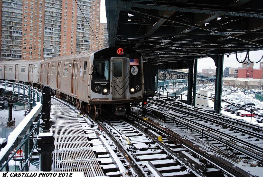 (452k, 1024x687)<br><b>Country:</b> United States<br><b>City:</b> New York<br><b>System:</b> New York City Transit<br><b>Line:</b> BMT Culver Line<br><b>Location:</b> West 8th Street <br><b>Route:</b> F<br><b>Car:</b> R-160A (Option 1) (Alstom, 2008-2009, 5 car sets)  9443 <br><b>Photo by:</b> Wilfredo Castillo<br><b>Date:</b> 1/21/2012<br><b>Viewed (this week/total):</b> 0 / 1297