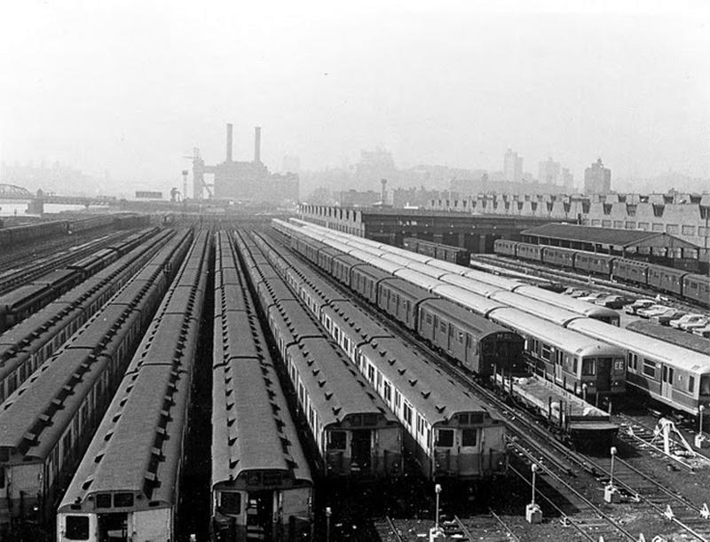 (169k, 800x611)<br><b>Country:</b> United States<br><b>City:</b> New York<br><b>System:</b> New York City Transit<br><b>Location:</b> 207th Street Yard<br><b>Collection of:</b> Frank Pfuhler<br><b>Notes:</b> R-10, R-40M and others.<br><b>Viewed (this week/total):</b> 1 / 847