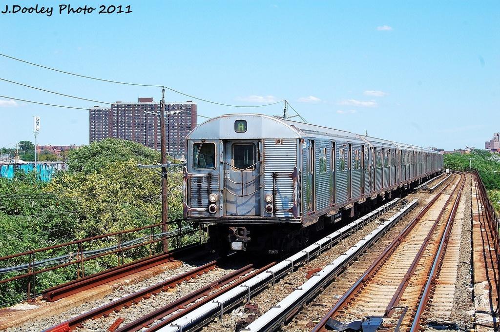 (441k, 1024x681)<br><b>Country:</b> United States<br><b>City:</b> New York<br><b>System:</b> New York City Transit<br><b>Line:</b> IND Rockaway<br><b>Location:</b> Beach 44th Street/Frank Avenue <br><b>Route:</b> A<br><b>Car:</b> R-32 (Budd, 1964)  3618 <br><b>Photo by:</b> John Dooley<br><b>Date:</b> 8/11/2011<br><b>Viewed (this week/total):</b> 8 / 803