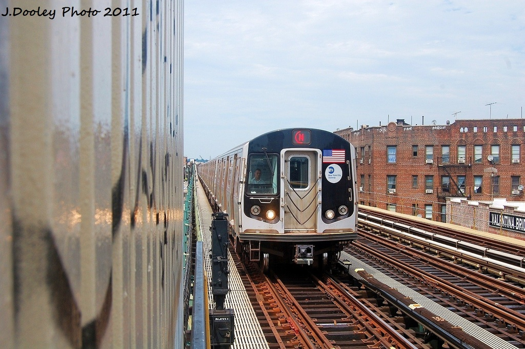 (346k, 1024x680)<br><b>Country:</b> United States<br><b>City:</b> New York<br><b>System:</b> New York City Transit<br><b>Line:</b> BMT West End Line<br><b>Location:</b> 79th Street <br><b>Route:</b> N reroute<br><b>Car:</b> R-160B (Kawasaki, 2005-2008)  8843 <br><b>Photo by:</b> John Dooley<br><b>Date:</b> 7/23/2011<br><b>Viewed (this week/total):</b> 0 / 806
