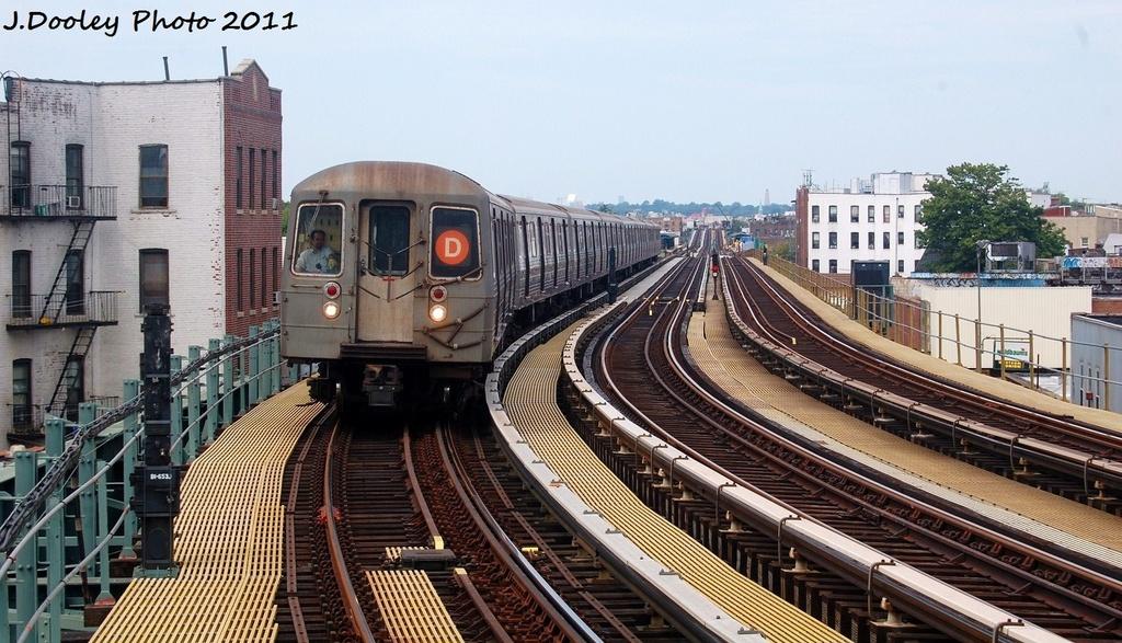 (339k, 1024x587)<br><b>Country:</b> United States<br><b>City:</b> New York<br><b>System:</b> New York City Transit<br><b>Line:</b> BMT West End Line<br><b>Location:</b> 18th Avenue <br><b>Route:</b> D<br><b>Car:</b> R-68 (Westinghouse-Amrail, 1986-1988)  2702 <br><b>Photo by:</b> John Dooley<br><b>Date:</b> 7/23/2011<br><b>Viewed (this week/total):</b> 0 / 804
