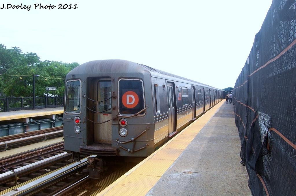 (285k, 1024x680)<br><b>Country:</b> United States<br><b>City:</b> New York<br><b>System:</b> New York City Transit<br><b>Line:</b> BMT West End Line<br><b>Location:</b> 18th Avenue <br><b>Route:</b> D<br><b>Car:</b> R-68 (Westinghouse-Amrail, 1986-1988)  2734 <br><b>Photo by:</b> John Dooley<br><b>Date:</b> 7/23/2011<br><b>Viewed (this week/total):</b> 1 / 786