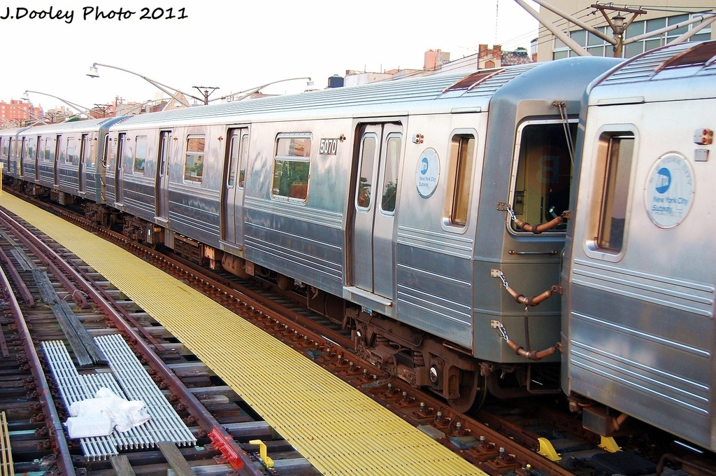 (380k, 1024x680)<br><b>Country:</b> United States<br><b>City:</b> New York<br><b>System:</b> New York City Transit<br><b>Line:</b> BMT Brighton Line<br><b>Location:</b> Ocean Parkway <br><b>Route:</b> Q<br><b>Car:</b> R-68A (Kawasaki, 1988-1989)  5070 <br><b>Photo by:</b> John Dooley<br><b>Date:</b> 8/10/2011<br><b>Viewed (this week/total):</b> 0 / 1080