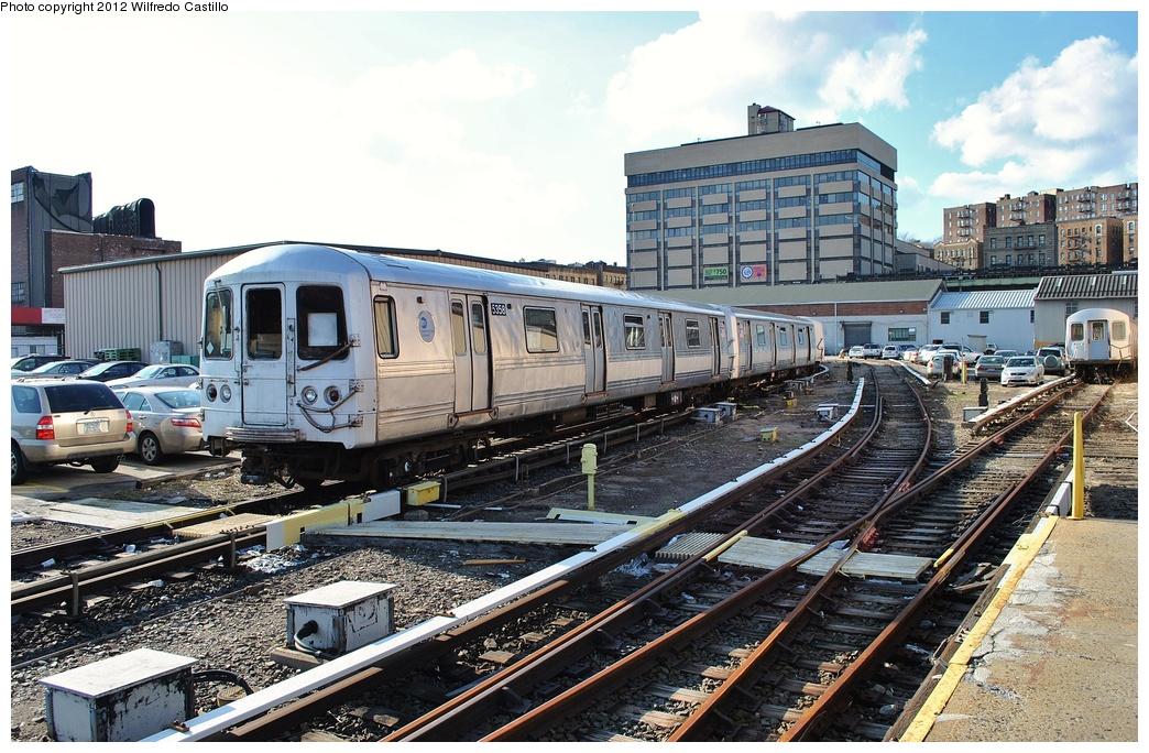 (380k, 1044x684)<br><b>Country:</b> United States<br><b>City:</b> New York<br><b>System:</b> New York City Transit<br><b>Location:</b> 207th Street Yard<br><b>Car:</b> R-44 (St. Louis, 1971-73) 5358 <br><b>Photo by:</b> Wilfredo Castillo<br><b>Date:</b> 2/1/2012<br><b>Viewed (this week/total):</b> 0 / 954