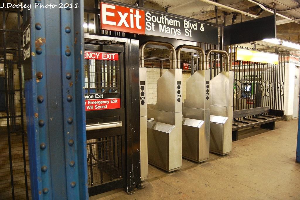 (377k, 1024x681)<br><b>Country:</b> United States<br><b>City:</b> New York<br><b>System:</b> New York City Transit<br><b>Line:</b> IRT Pelham Line<br><b>Location:</b> East 143rd Street <br><b>Photo by:</b> John Dooley<br><b>Date:</b> 9/22/2011<br><b>Viewed (this week/total):</b> 3 / 1183