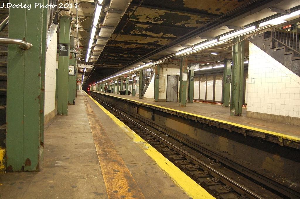(382k, 1024x681)<br><b>Country:</b> United States<br><b>City:</b> New York<br><b>System:</b> New York City Transit<br><b>Line:</b> IRT Pelham Line<br><b>Location:</b> Hunts Point Avenue <br><b>Photo by:</b> John Dooley<br><b>Date:</b> 9/22/2011<br><b>Viewed (this week/total):</b> 2 / 1190