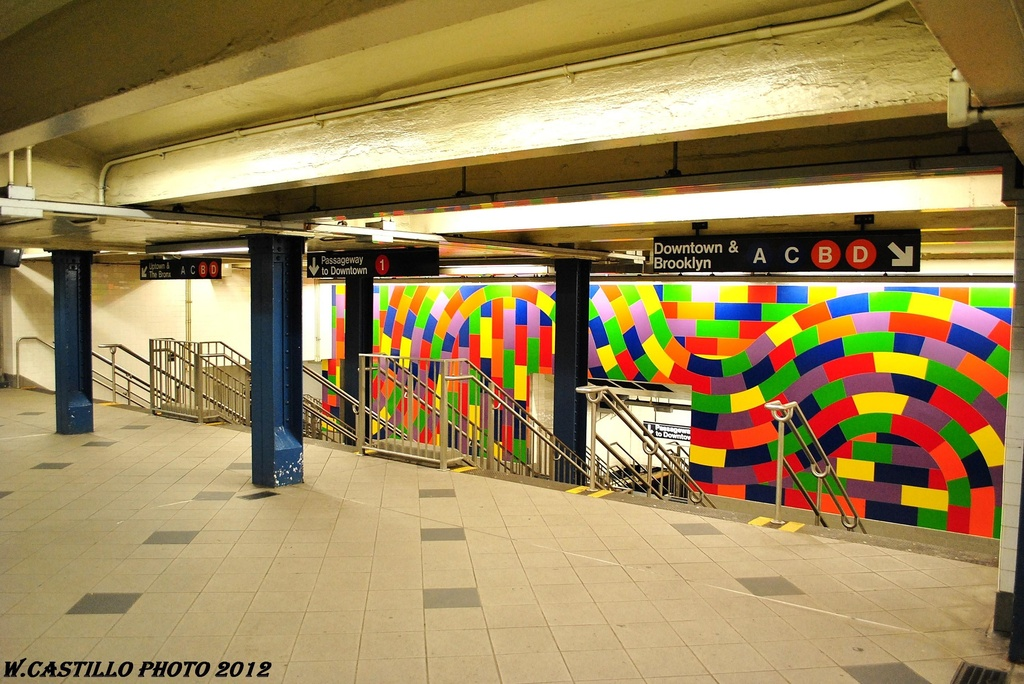 (342k, 1024x684)<br><b>Country:</b> United States<br><b>City:</b> New York<br><b>System:</b> New York City Transit<br><b>Line:</b> IND 8th Avenue Line<br><b>Location:</b> 59th Street/Columbus Circle <br><b>Photo by:</b> Wilfredo Castillo<br><b>Date:</b> 2/25/2012<br><b>Artwork:</b> <i>Whirls and Twirls</i>, Sol Lewitt (2007).<br><b>Viewed (this week/total):</b> 8 / 1533