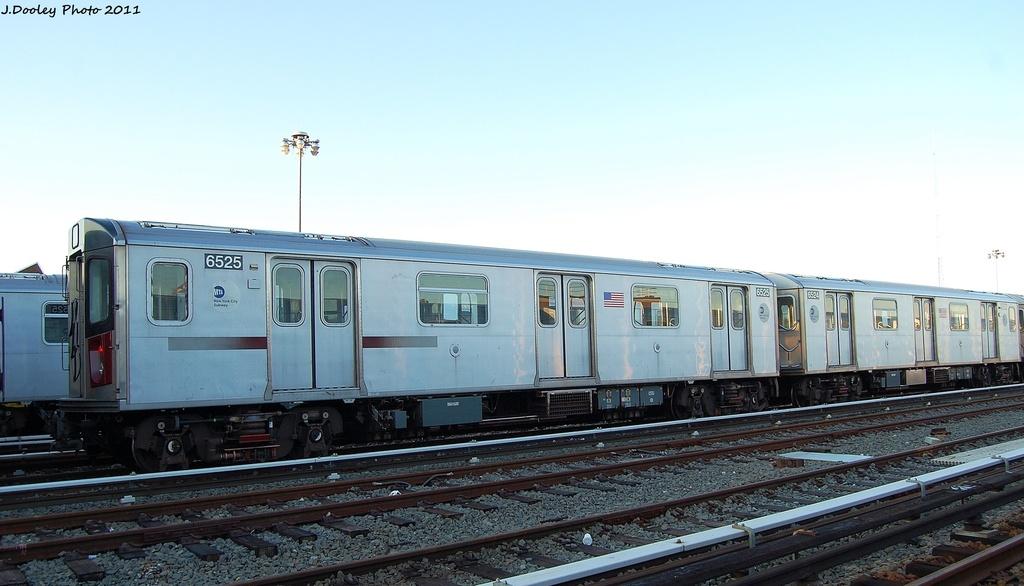 (244k, 1024x586)<br><b>Country:</b> United States<br><b>City:</b> New York<br><b>System:</b> New York City Transit<br><b>Location:</b> 239th Street Yard<br><b>Car:</b> R-142 (Primary Order, Bombardier, 1999-2002)  6525 <br><b>Photo by:</b> John Dooley<br><b>Date:</b> 12/8/2011<br><b>Viewed (this week/total):</b> 5 / 1058
