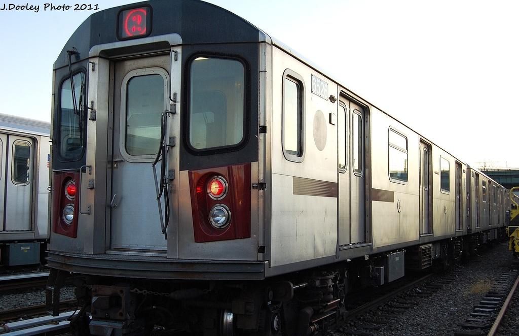 (270k, 1024x662)<br><b>Country:</b> United States<br><b>City:</b> New York<br><b>System:</b> New York City Transit<br><b>Location:</b> 239th Street Yard<br><b>Car:</b> R-142 (Primary Order, Bombardier, 1999-2002)  6526 <br><b>Photo by:</b> John Dooley<br><b>Date:</b> 12/8/2011<br><b>Viewed (this week/total):</b> 5 / 889