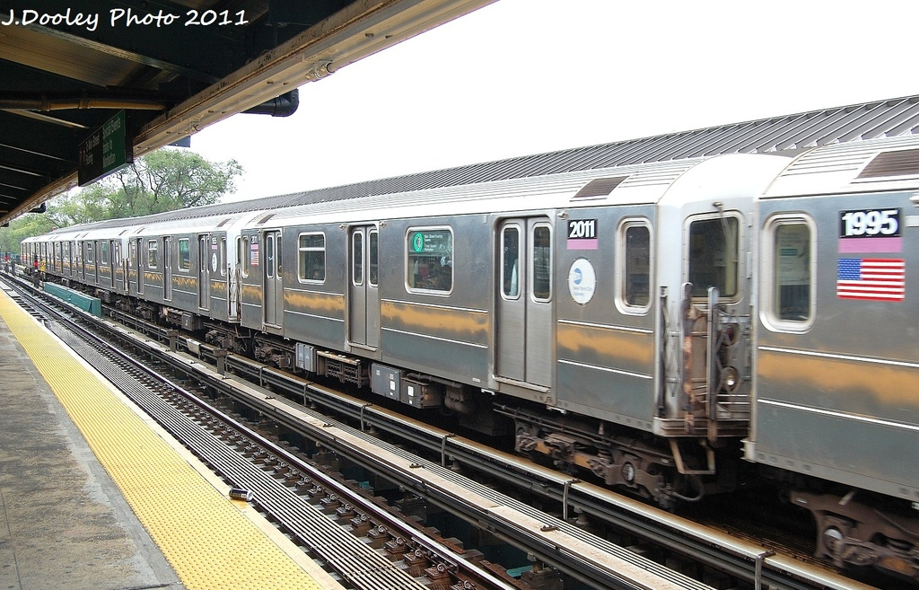 (362k, 1024x657)<br><b>Country:</b> United States<br><b>City:</b> New York<br><b>System:</b> New York City Transit<br><b>Line:</b> IRT Flushing Line<br><b>Location:</b> Willets Point/Mets (fmr. Shea Stadium) <br><b>Route:</b> 7<br><b>Car:</b> R-62A (Bombardier, 1984-1987)  2011 <br><b>Photo by:</b> John Dooley<br><b>Date:</b> 9/20/2011<br><b>Viewed (this week/total):</b> 2 / 757
