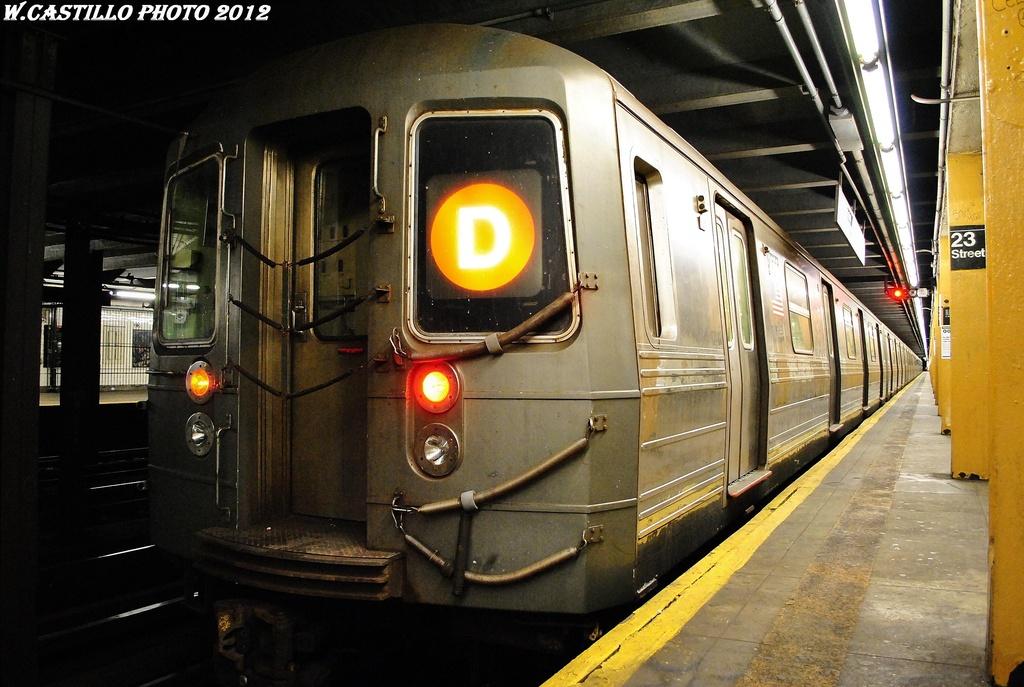 (319k, 1024x687)<br><b>Country:</b> United States<br><b>City:</b> New York<br><b>System:</b> New York City Transit<br><b>Line:</b> IND 8th Avenue Line<br><b>Location:</b> 23rd Street <br><b>Route:</b> D reroute<br><b>Car:</b> R-68 (Westinghouse-Amrail, 1986-1988)   <br><b>Photo by:</b> Wilfredo Castillo<br><b>Date:</b> 2/28/2012<br><b>Viewed (this week/total):</b> 0 / 840