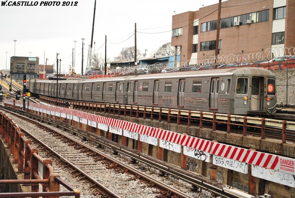 (399k, 1024x687)<br><b>Country:</b> United States<br><b>City:</b> New York<br><b>System:</b> New York City Transit<br><b>Line:</b> BMT West End Line<br><b>Location:</b> 9th Avenue <br><b>Route:</b> D<br><b>Car:</b> R-68 (Westinghouse-Amrail, 1986-1988)  2542 <br><b>Photo by:</b> Wilfredo Castillo<br><b>Date:</b> 3/1/2012<br><b>Viewed (this week/total):</b> 0 / 1125