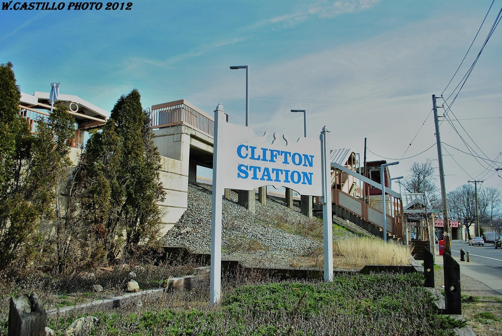 (406k, 1024x687)<br><b>Country:</b> United States<br><b>City:</b> New York<br><b>System:</b> New York City Transit<br><b>Line:</b> SIRT<br><b>Location:</b> Clifton <br><b>Photo by:</b> Wilfredo Castillo<br><b>Date:</b> 3/10/2012<br><b>Viewed (this week/total):</b> 0 / 918