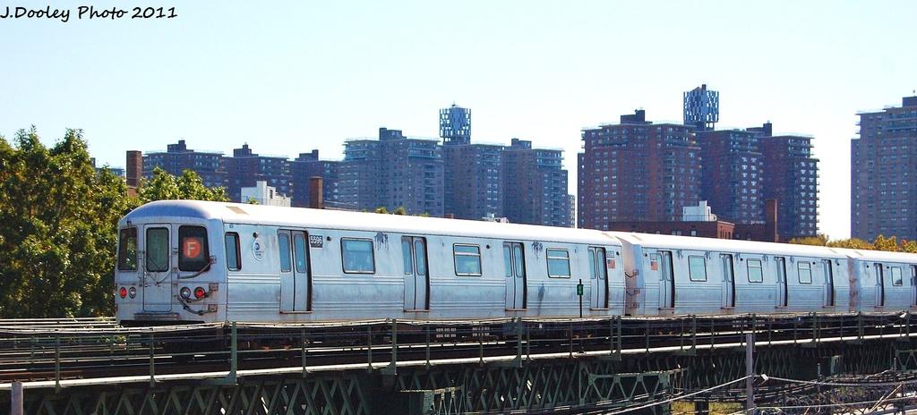 (247k, 1024x464)<br><b>Country:</b> United States<br><b>City:</b> New York<br><b>System:</b> New York City Transit<br><b>Line:</b> BMT Culver Line<br><b>Location:</b> Avenue X <br><b>Route:</b> F<br><b>Car:</b> R-46 (Pullman-Standard, 1974-75) 5596 <br><b>Photo by:</b> John Dooley<br><b>Date:</b> 10/9/2011<br><b>Viewed (this week/total):</b> 0 / 698