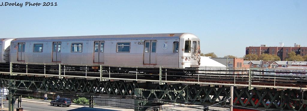 (223k, 1024x370)<br><b>Country:</b> United States<br><b>City:</b> New York<br><b>System:</b> New York City Transit<br><b>Line:</b> BMT Culver Line<br><b>Location:</b> Avenue X <br><b>Route:</b> F<br><b>Car:</b> R-46 (Pullman-Standard, 1974-75) 5750 <br><b>Photo by:</b> John Dooley<br><b>Date:</b> 10/9/2011<br><b>Viewed (this week/total):</b> 3 / 710