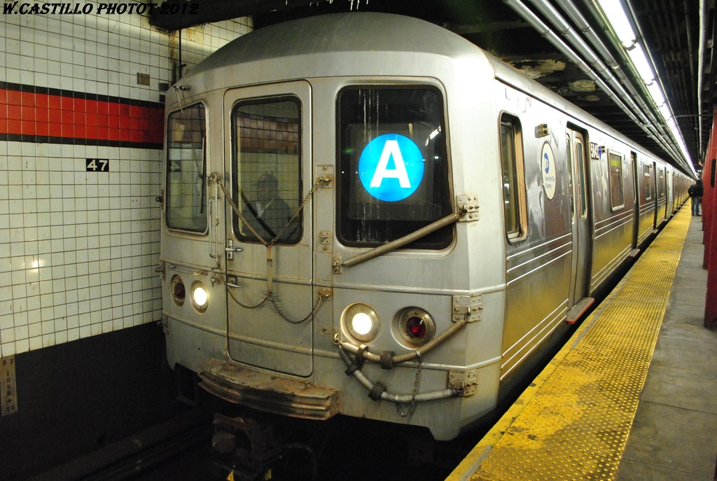 (314k, 1024x687)<br><b>Country:</b> United States<br><b>City:</b> New York<br><b>System:</b> New York City Transit<br><b>Line:</b> IND 6th Avenue Line<br><b>Location:</b> 47-50th Street/Rockefeller Center <br><b>Route:</b> A reroute<br><b>Car:</b> R-46 (Pullman-Standard, 1974-75) 5842 <br><b>Photo by:</b> Wilfredo Castillo<br><b>Date:</b> 3/12/2012<br><b>Viewed (this week/total):</b> 0 / 958