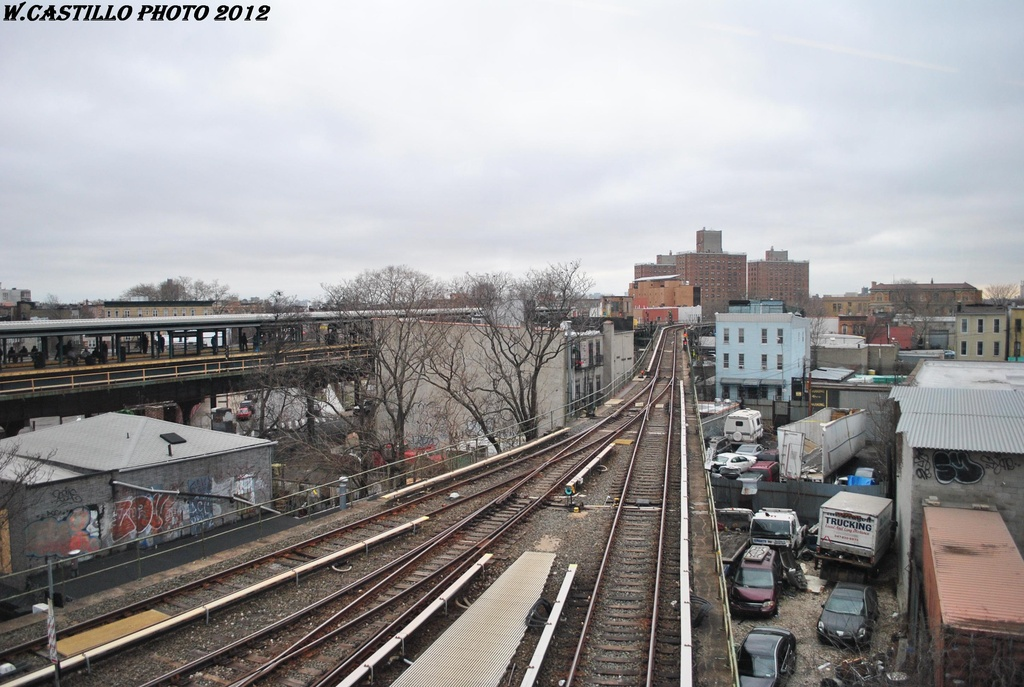(307k, 1024x687)<br><b>Country:</b> United States<br><b>City:</b> New York<br><b>System:</b> New York City Transit<br><b>Location:</b> East New York Yard/Shops<br><b>Photo by:</b> Wilfredo Castillo<br><b>Date:</b> 3/15/2012<br><b>Viewed (this week/total):</b> 1 / 1021