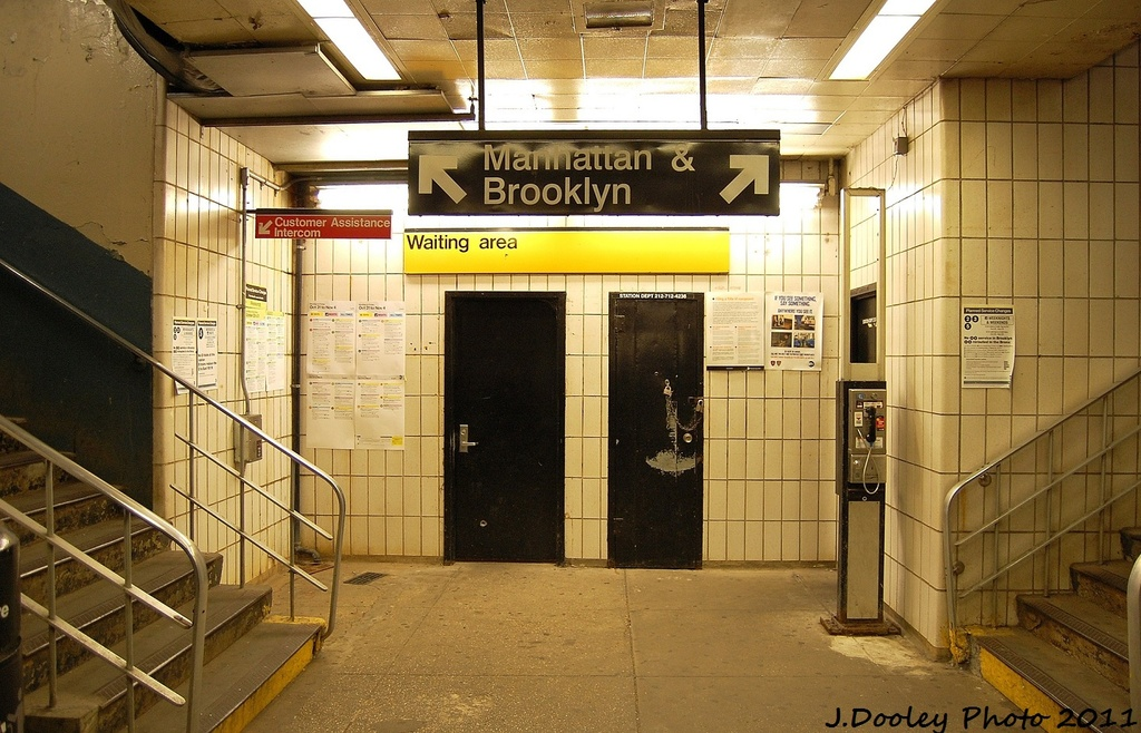 (350k, 1024x658)<br><b>Country:</b> United States<br><b>City:</b> New York<br><b>System:</b> New York City Transit<br><b>Line:</b> IRT Dyre Ave. Line<br><b>Location:</b> Dyre Avenue <br><b>Photo by:</b> John Dooley<br><b>Date:</b> 10/29/2011<br><b>Viewed (this week/total):</b> 1 / 1743