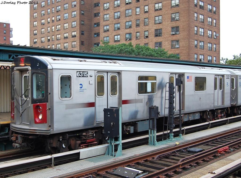 (421k, 1024x758)<br><b>Country:</b> United States<br><b>City:</b> New York<br><b>System:</b> New York City Transit<br><b>Line:</b> IRT Brooklyn Line<br><b>Location:</b> Junius Street <br><b>Route:</b> 2 Put-in<br><b>Car:</b> R-142 (Primary Order, Bombardier, 1999-2002)  6315 <br><b>Photo by:</b> John Dooley<br><b>Date:</b> 7/7/2011<br><b>Viewed (this week/total):</b> 1 / 1319