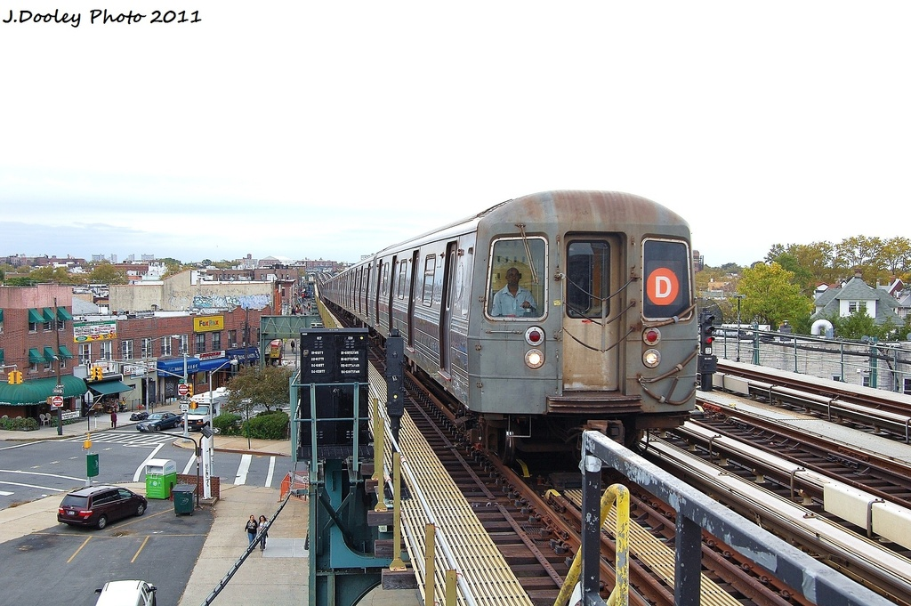 (328k, 1024x681)<br><b>Country:</b> United States<br><b>City:</b> New York<br><b>System:</b> New York City Transit<br><b>Line:</b> BMT West End Line<br><b>Location:</b> 71st Street <br><b>Route:</b> D<br><b>Car:</b> R-68 (Westinghouse-Amrail, 1986-1988)  2766 <br><b>Photo by:</b> John Dooley<br><b>Date:</b> 10/12/2011<br><b>Viewed (this week/total):</b> 0 / 827