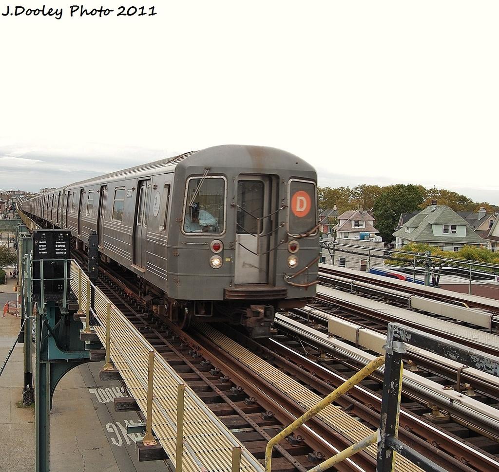 (441k, 1024x970)<br><b>Country:</b> United States<br><b>City:</b> New York<br><b>System:</b> New York City Transit<br><b>Line:</b> BMT West End Line<br><b>Location:</b> 71st Street <br><b>Route:</b> D<br><b>Car:</b> R-68A (Kawasaki, 1988-1989)  5060 <br><b>Photo by:</b> John Dooley<br><b>Date:</b> 10/12/2011<br><b>Viewed (this week/total):</b> 0 / 913