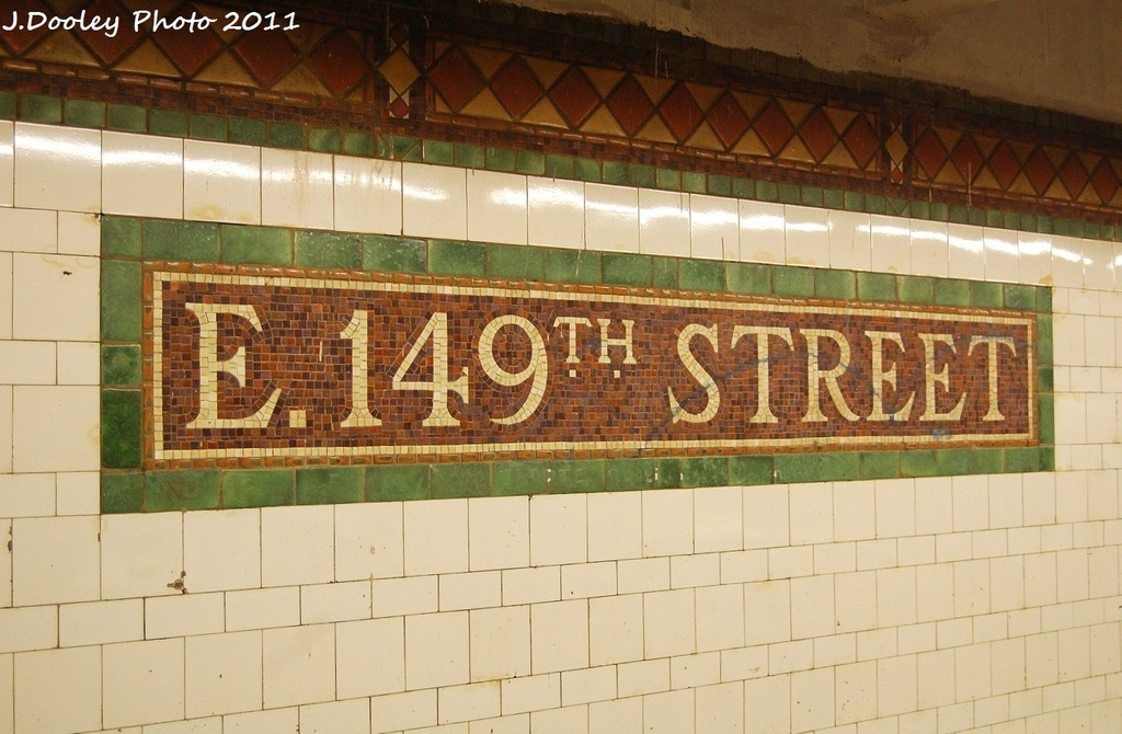(297k, 1024x670)<br><b>Country:</b> United States<br><b>City:</b> New York<br><b>System:</b> New York City Transit<br><b>Line:</b> IRT Pelham Line<br><b>Location:</b> East 149th Street <br><b>Photo by:</b> John Dooley<br><b>Date:</b> 9/22/2011<br><b>Viewed (this week/total):</b> 0 / 1001