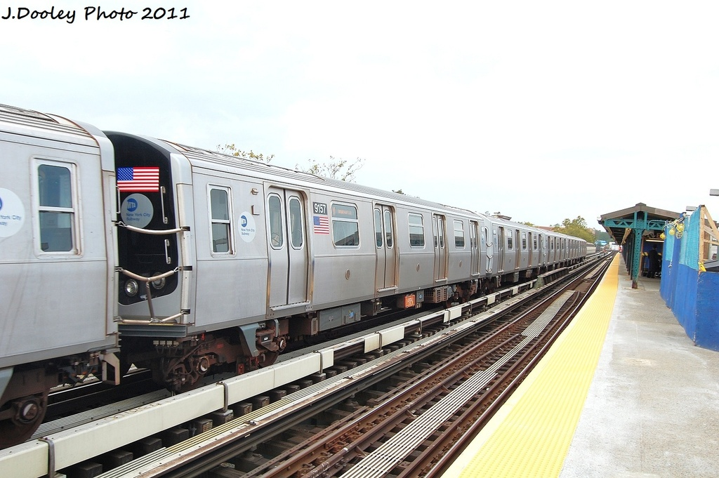 (285k, 1024x681)<br><b>Country:</b> United States<br><b>City:</b> New York<br><b>System:</b> New York City Transit<br><b>Line:</b> BMT West End Line<br><b>Location:</b> Fort Hamilton Parkway <br><b>Route:</b> N reroute<br><b>Car:</b> R-160B (Option 1) (Kawasaki, 2008-2009)  9156 <br><b>Photo by:</b> John Dooley<br><b>Date:</b> 9/22/2011<br><b>Viewed (this week/total):</b> 4 / 885