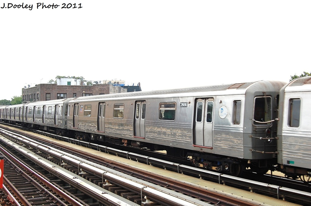 (287k, 1024x678)<br><b>Country:</b> United States<br><b>City:</b> New York<br><b>System:</b> New York City Transit<br><b>Line:</b> BMT West End Line<br><b>Location:</b> Fort Hamilton Parkway <br><b>Route:</b> D<br><b>Car:</b> R-68 (Westinghouse-Amrail, 1986-1988)  2666 <br><b>Photo by:</b> John Dooley<br><b>Date:</b> 9/22/2011<br><b>Viewed (this week/total):</b> 1 / 900