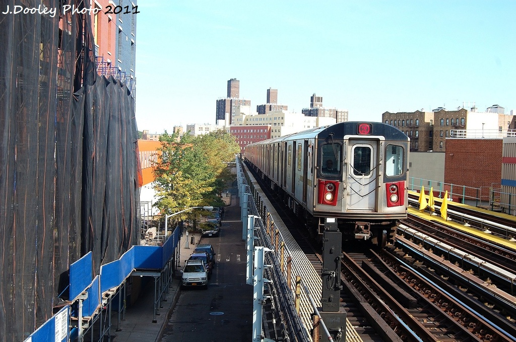 (379k, 1024x680)<br><b>Country:</b> United States<br><b>City:</b> New York<br><b>System:</b> New York City Transit<br><b>Line:</b> IRT White Plains Road Line<br><b>Location:</b> 174th Street <br><b>Route:</b> 2<br><b>Car:</b> R-142 (Primary Order, Bombardier, 1999-2002)  6900 <br><b>Photo by:</b> John Dooley<br><b>Date:</b> 10/28/2011<br><b>Viewed (this week/total):</b> 4 / 852