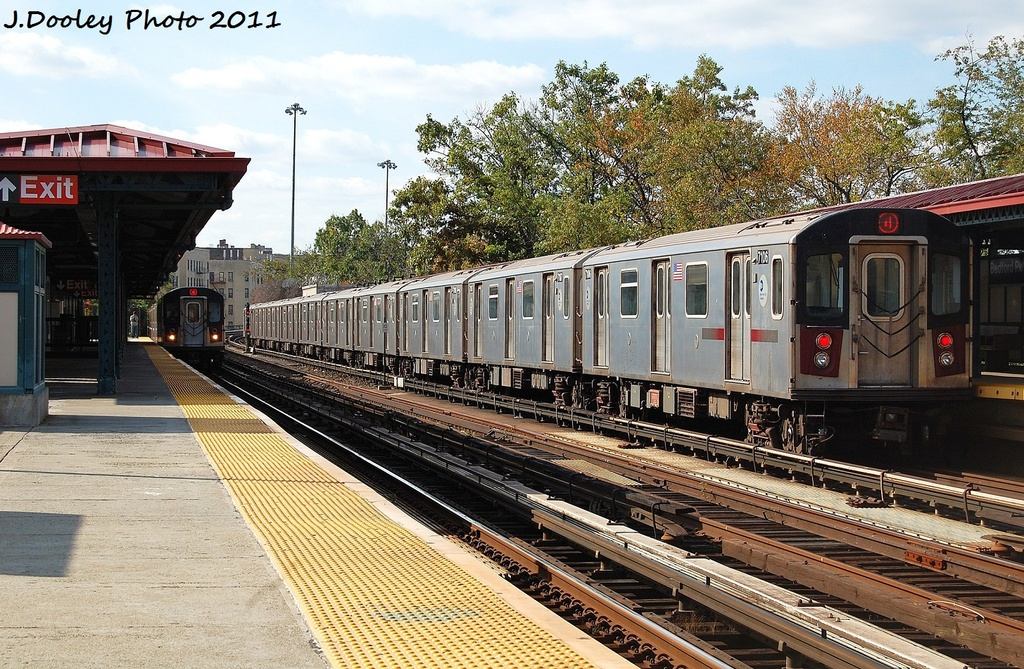 (429k, 1024x669)<br><b>Country:</b> United States<br><b>City:</b> New York<br><b>System:</b> New York City Transit<br><b>Line:</b> IRT Woodlawn Line<br><b>Location:</b> Bedford Park Boulevard <br><b>Route:</b> 4<br><b>Car:</b> R-142 (Option Order, Bombardier, 2002-2003)  7106 <br><b>Photo by:</b> John Dooley<br><b>Date:</b> 10/23/2011<br><b>Viewed (this week/total):</b> 0 / 817