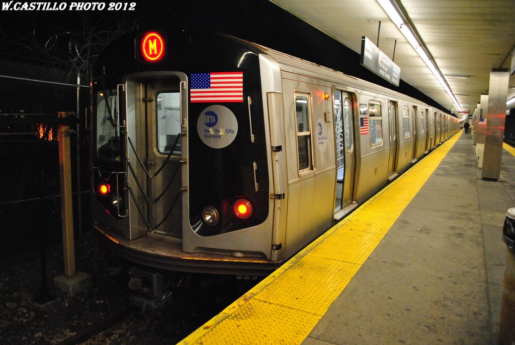 (289k, 1024x687)<br><b>Country:</b> United States<br><b>City:</b> New York<br><b>System:</b> New York City Transit<br><b>Line:</b> BMT Myrtle Avenue Line<br><b>Location:</b> Metropolitan Avenue <br><b>Route:</b> M<br><b>Car:</b> R-160A-1 (Alstom, 2005-2008, 4 car sets)  8572 <br><b>Photo by:</b> Wilfredo Castillo<br><b>Date:</b> 3/16/2012<br><b>Viewed (this week/total):</b> 3 / 1084