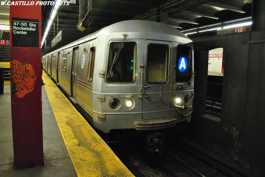 (283k, 1024x687)<br><b>Country:</b> United States<br><b>City:</b> New York<br><b>System:</b> New York City Transit<br><b>Line:</b> IND 6th Avenue Line<br><b>Location:</b> 47-50th Street/Rockefeller Center <br><b>Route:</b> A reroute<br><b>Car:</b> R-46 (Pullman-Standard, 1974-75) 6180 <br><b>Photo by:</b> Wilfredo Castillo<br><b>Date:</b> 3/12/2012<br><b>Viewed (this week/total):</b> 0 / 881