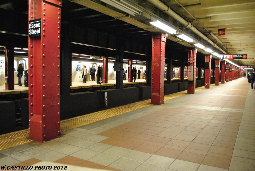 (288k, 1024x687)<br><b>Country:</b> United States<br><b>City:</b> New York<br><b>System:</b> New York City Transit<br><b>Line:</b> BMT Nassau Street/Jamaica Line<br><b>Location:</b> Essex Street <br><b>Photo by:</b> Wilfredo Castillo<br><b>Date:</b> 3/23/2012<br><b>Viewed (this week/total):</b> 0 / 1086
