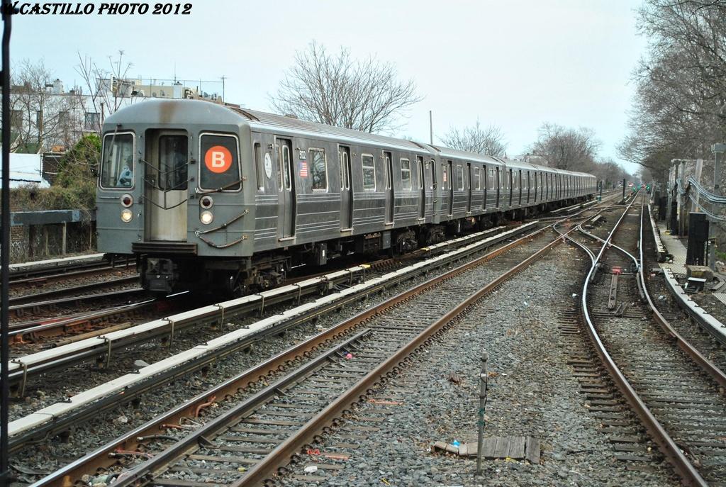 (399k, 1024x687)<br><b>Country:</b> United States<br><b>City:</b> New York<br><b>System:</b> New York City Transit<br><b>Line:</b> BMT Brighton Line<br><b>Location:</b> Kings Highway <br><b>Route:</b> B<br><b>Car:</b> R-68A (Kawasaki, 1988-1989)  5132 <br><b>Photo by:</b> Wilfredo Castillo<br><b>Date:</b> 3/23/2012<br><b>Viewed (this week/total):</b> 0 / 764