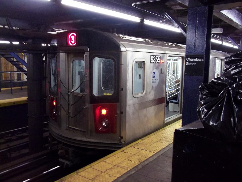 (304k, 1024x768)<br><b>Country:</b> United States<br><b>City:</b> New York<br><b>System:</b> New York City Transit<br><b>Line:</b> IRT West Side Line<br><b>Location:</b> Chambers Street <br><b>Route:</b> 3<br><b>Car:</b> R-142 (Primary Order, Bombardier, 1999-2002)  6355 <br><b>Photo by:</b> Christopher Henderson<br><b>Date:</b> 1/1/2011<br><b>Viewed (this week/total):</b> 0 / 1675